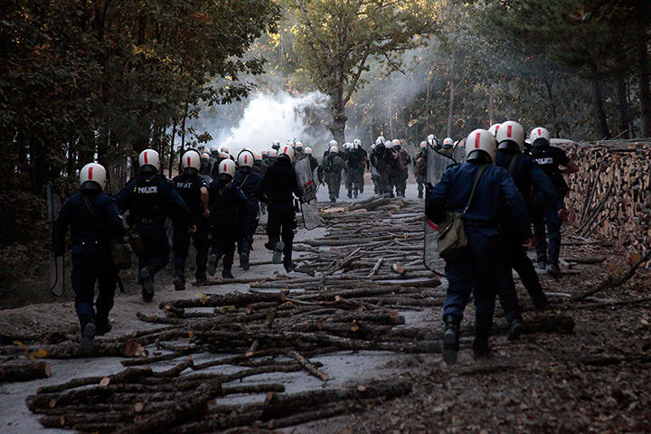 http://antigoldgreece.files.wordpress.com/2013/02/cebaceb1cf81cf84ceb5cc81cf83ceb9cebfcf82-19.jpg