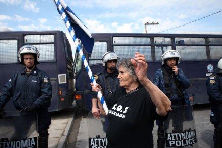 695902-manifestants-proteste-14-avril-contre