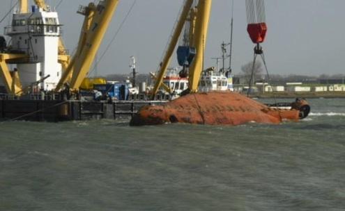 tug-fairplay-22-capsize